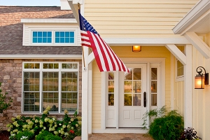 blog-flag-porch-light-istock_8a8dcae59e5d6564d3133cc5b1316795_3x2_jpg_600x400_q85